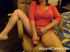 Girl Chatting Naked From Bed For Live Cam