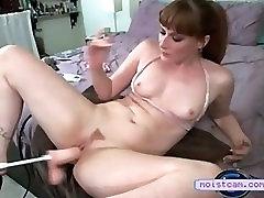 xxx cam Hot mature hammered by fucking machine! moistcam.com