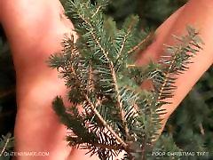 Queensnake.com - Poor Christmas Tree Part 2
