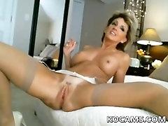 Amatőr szexi, dögös, érett maszturbál a webkamera