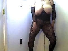 Just me Dancing - Mature Black BBW Loves to Dance!