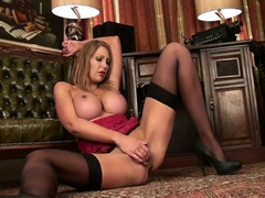 Big Breasted Cougar Leigh Darby Fingering