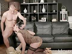 MOM Big tits Milf gives deep blow job before fucked