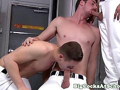 Athletic bigdick jocks sucking cock