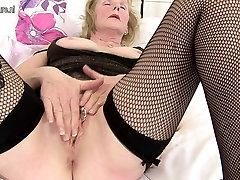 Sexy granny with big tits and hungry pussy